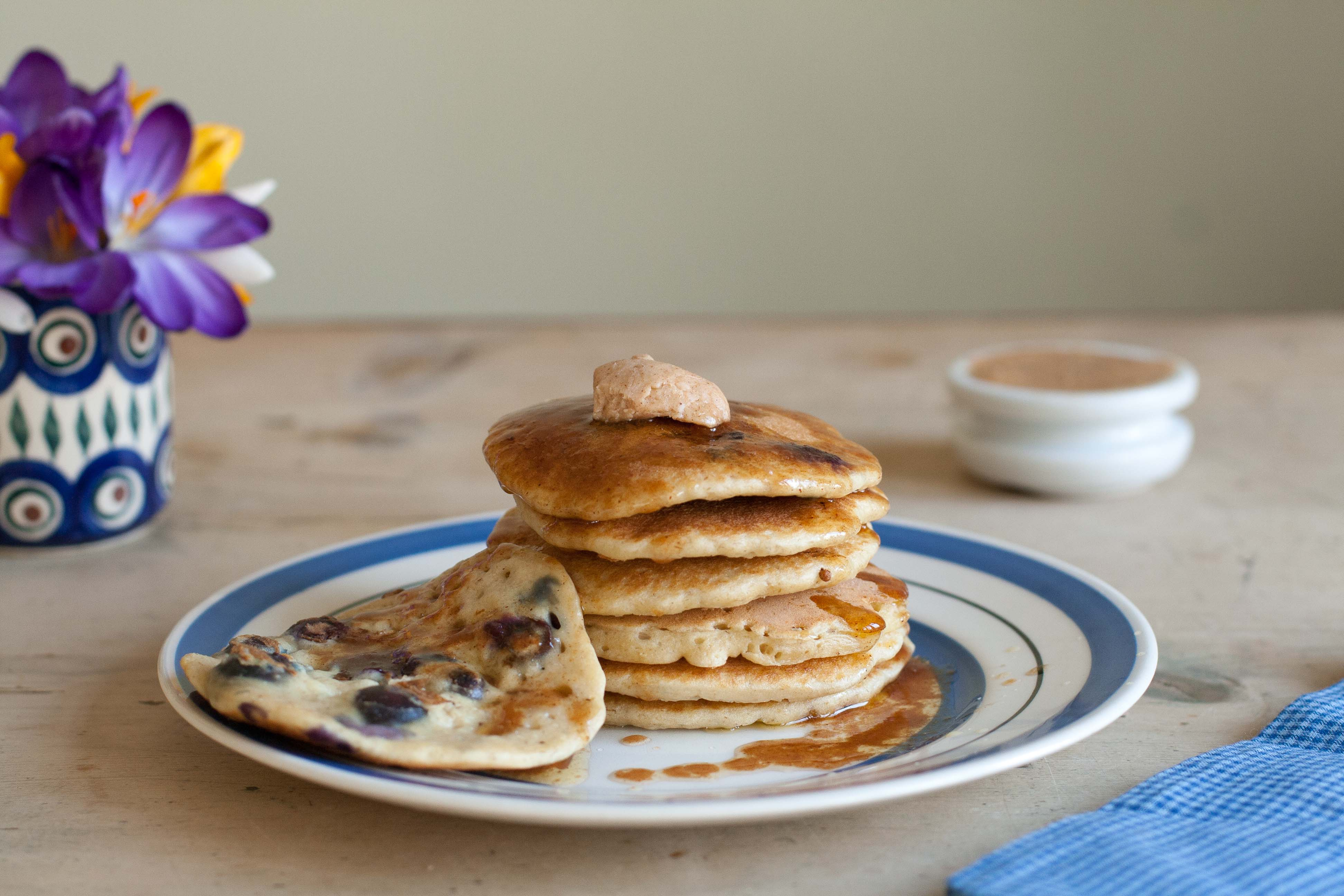 Hot Blueberry Oatcakes with Cinnamon Maple Butter