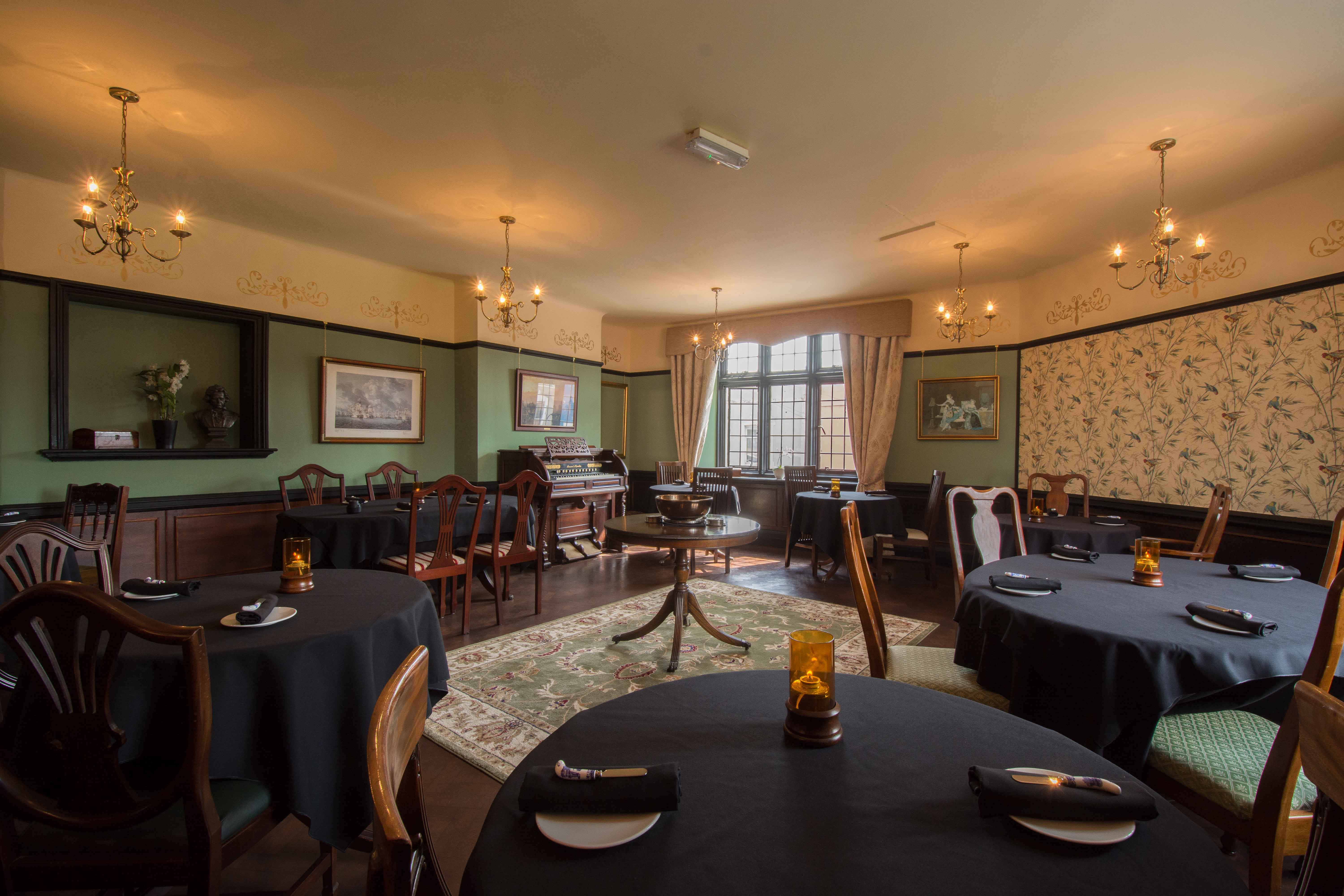 Historical Dining Rooms (Restaurant Review)